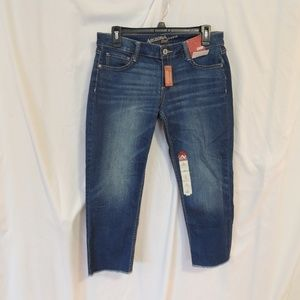 Arizona Jeans Womens Size 8 Cropped Jeans Raw Hem